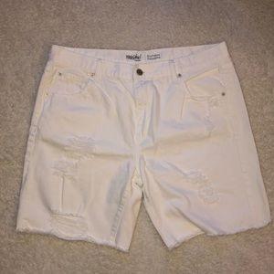 White cut off Denim Jeans Size 12 / 31 Distressed